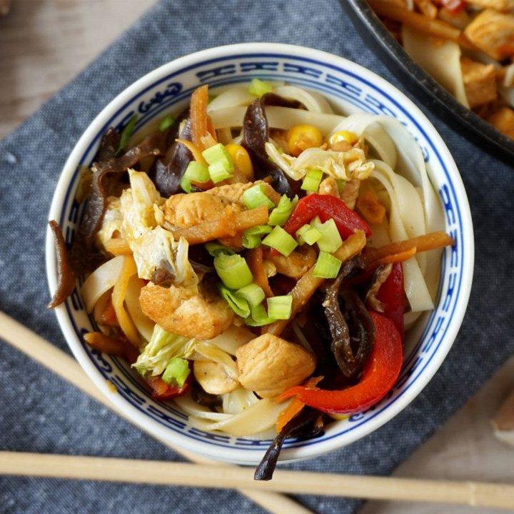 Valdinox Makaron Z Kurczakiem I Warzywami Kuchnia Azjatycka